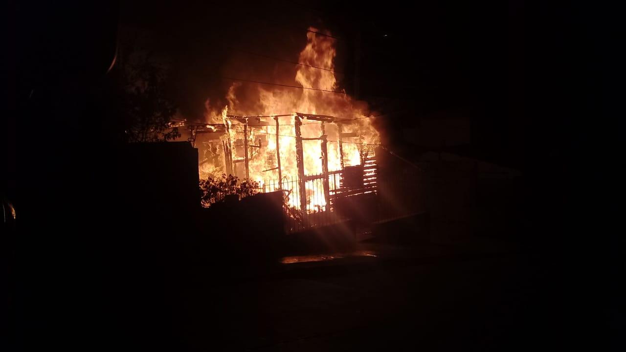 (Video) Incendio consume por completo taller mecánico en Ovalle