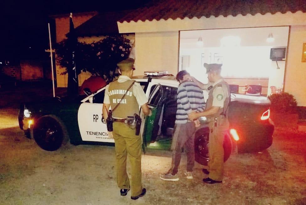Detienen en Villa Talinay a peligroso antisocial que robaba televisor desde vivienda