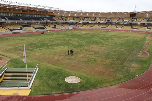 Municipio aclara que trabaja arduamente en resembrado del pasto de estadio coquimbano