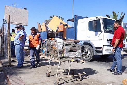 Efectúan operativo de reordenamiento y limpieza en sector Costanera de Coquimbo