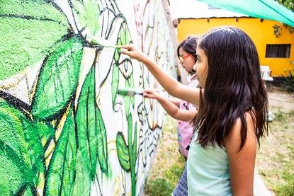 En Vicuña lucen nuevo y colorido mural alusivo a culturas originarias