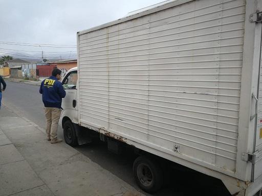Delincuentes amenazan a chofer de camión, lo golpean y roban recaudación