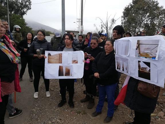 Falta de infraestructura en escuela El Peñón llevó a apoderados a tomarse Ruta a Andacollo