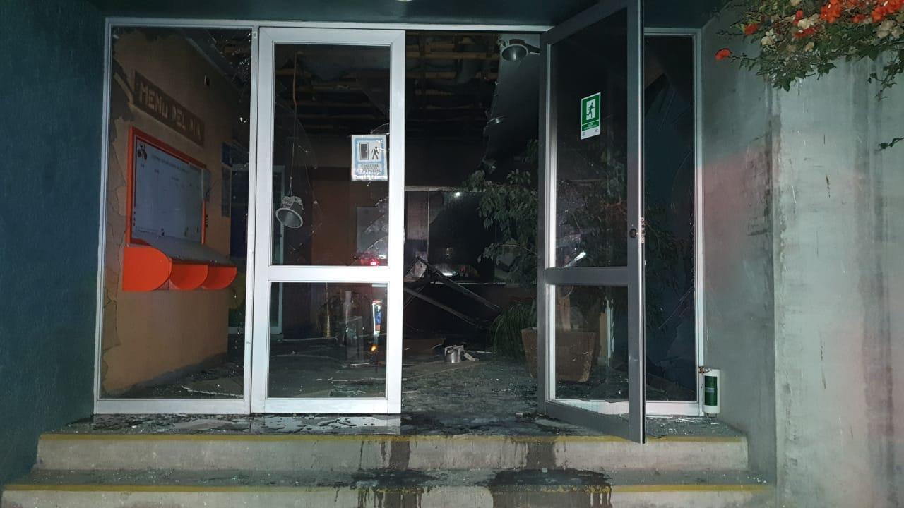 Delincuentes intentaron robar cajero automático de campus de Universidad Católica del Norte