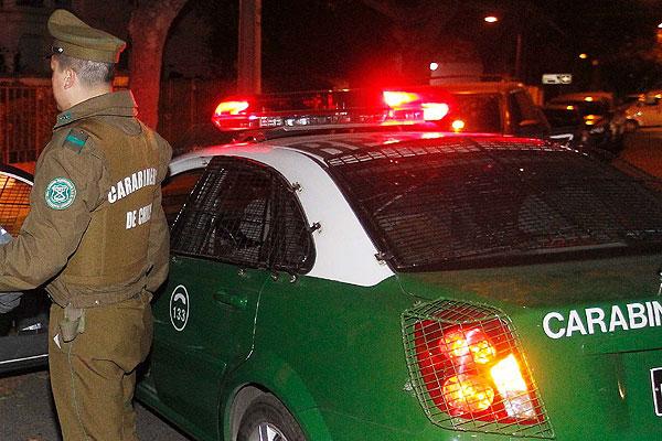 Detienen a sujeto que volcó su vehículo en estado de ebriedad en sector Parque Coll