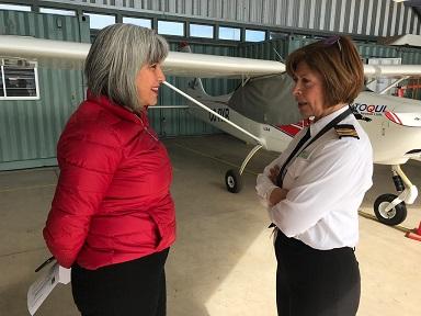 Reconocen trayectoria de la única mujer piloto de aviación en la región