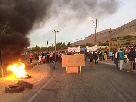 Más de cien regantes de Monte Patria protestan por robo de agua de un particular