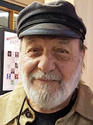 Patricio Manns postula al Premio Nacional de Literatura