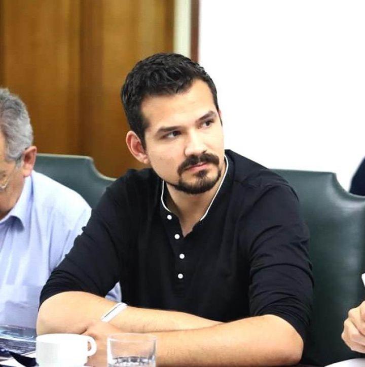 """Presidente regional del Colegio Médico: """"El sistema francamente no resiste más""""."""
