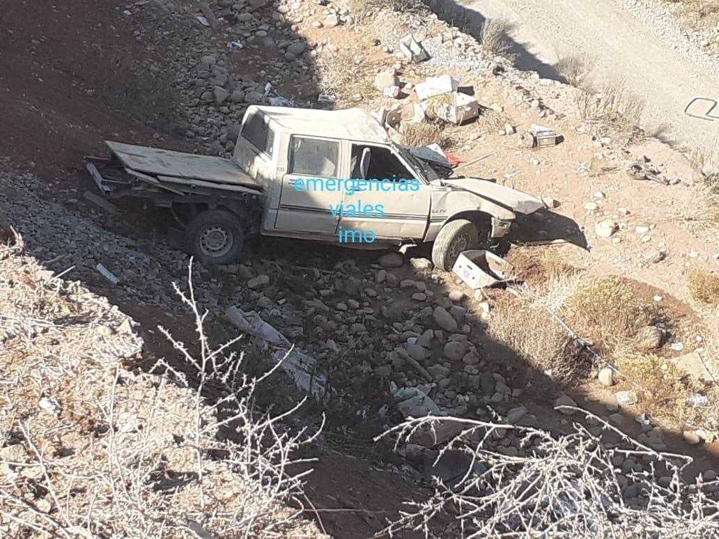 Fallece conductor de camioneta que se desbarrancó en Ovalle