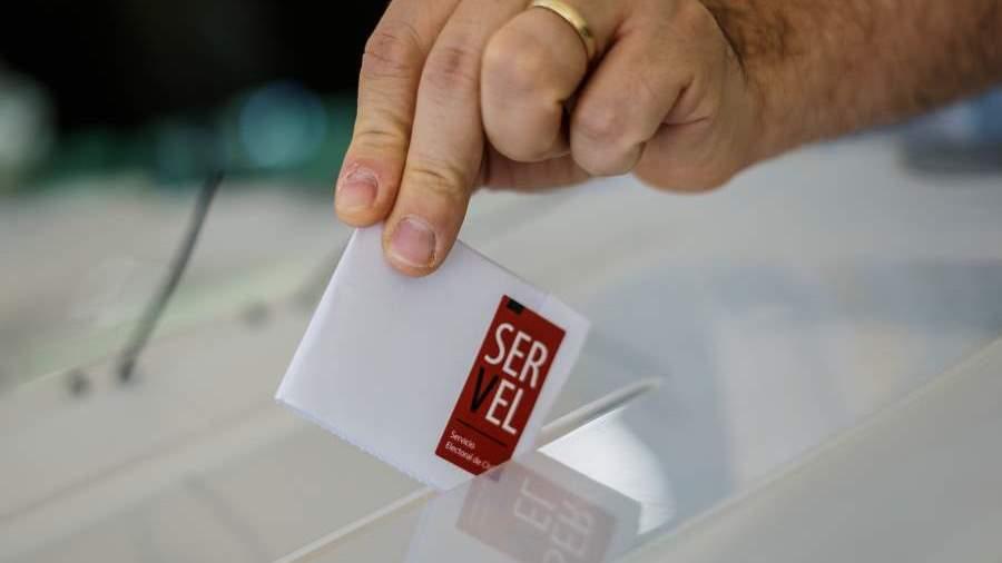 Gobierno ingresó reforma constitucional que posterga las elecciones hasta el 15 y 16 de mayo
