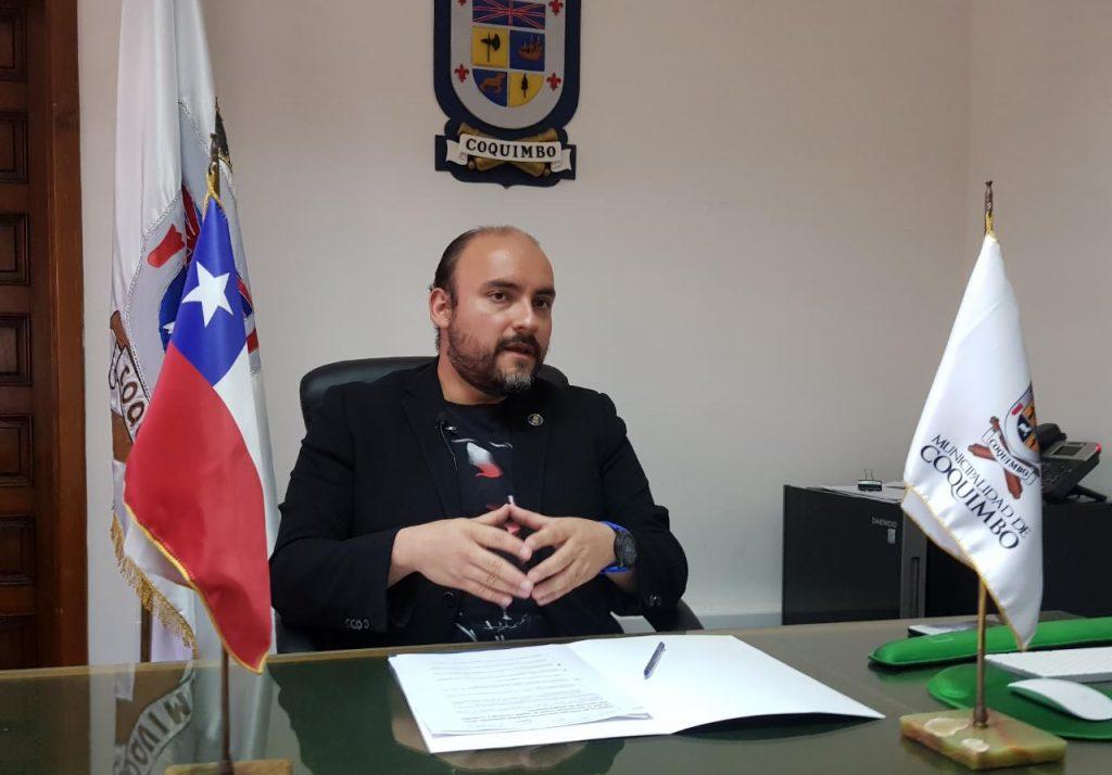 Municipio de Coquimbo responde ante la orden de arresto contra el alcalde Marcelo Pereira