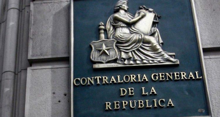 Contraloría refuta polémico oficio del Minsal que permitía el teletrabajo sin licencia médica a personas con Covid-19