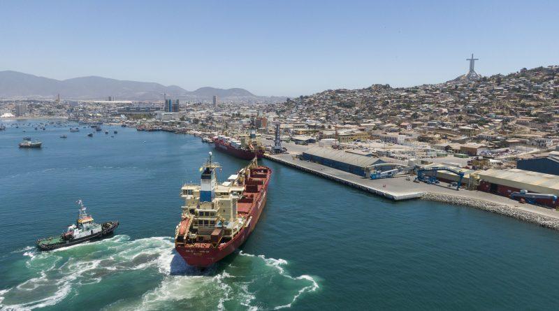 Analizan estado de avance del puerto de Coquimbo en miras al desarrollo de exportaciones del Corredor Bioceánico Central