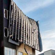 Fuerte temporal de viento en Punta Arenas provocó voladuras de techo y cortes de luz