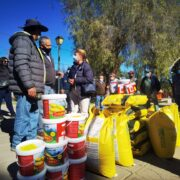 Entregan 180 mil semillas a pequeños agricultores afectados por las heladas y sequía en Monte Patria