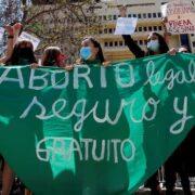 Comisión de Mujeres y Equidad de Género rechaza idea de legislar la despenalización del aborto