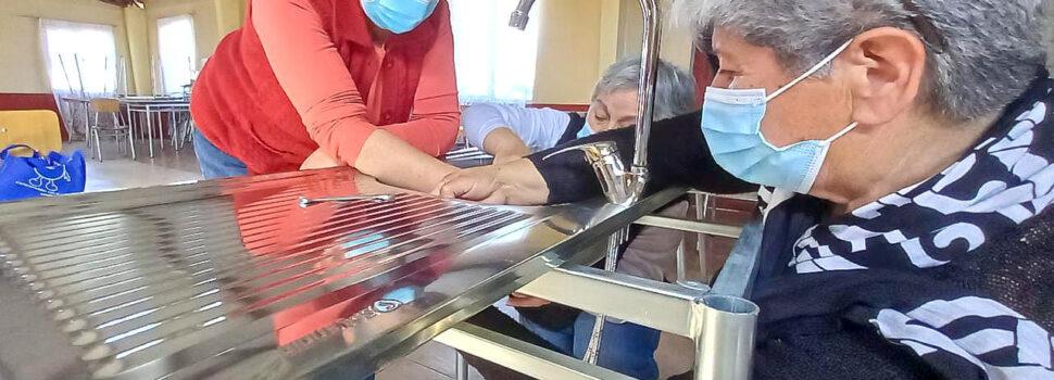 Aguas del Valle realiza talleres de gasfitería para mujeres en juntas de vecinos de la Región de Coquimbo